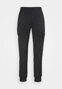 Versace Jeans Couture - TECNICAL STRIPES BARRE - Pantaloni sportivi - nero - 0