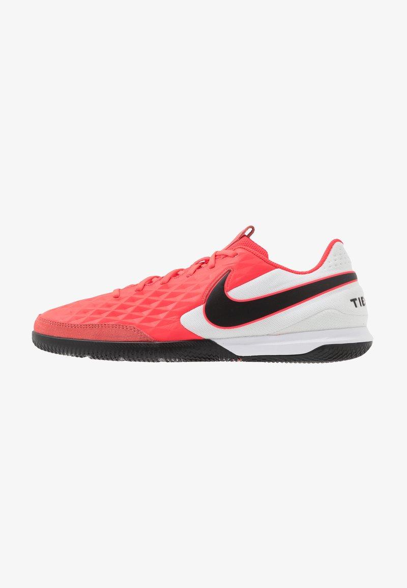 Nike Performance - TIEMPO LEGEND 8 ACADEMY IC - Indoor football boots - laser crimson/black/white