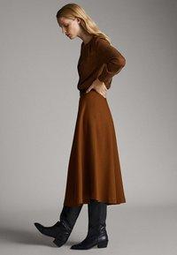Massimo Dutti - A-snit nederdel/ A-formede nederdele - ochre - 3