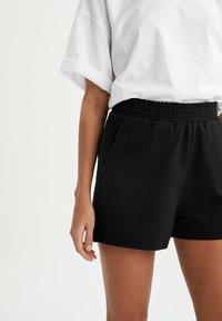 DeFacto - 2 PACK - Shorts - black - 7