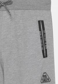 Re-Gen - TEEN BOYS  - Teplákové kalhoty - light grey melange - 2