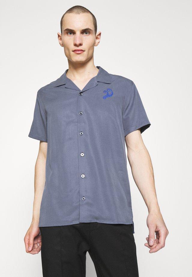 CAVE - Overhemd - corn blue