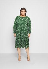 Even&Odd Curvy - Day dress - green/white - 0