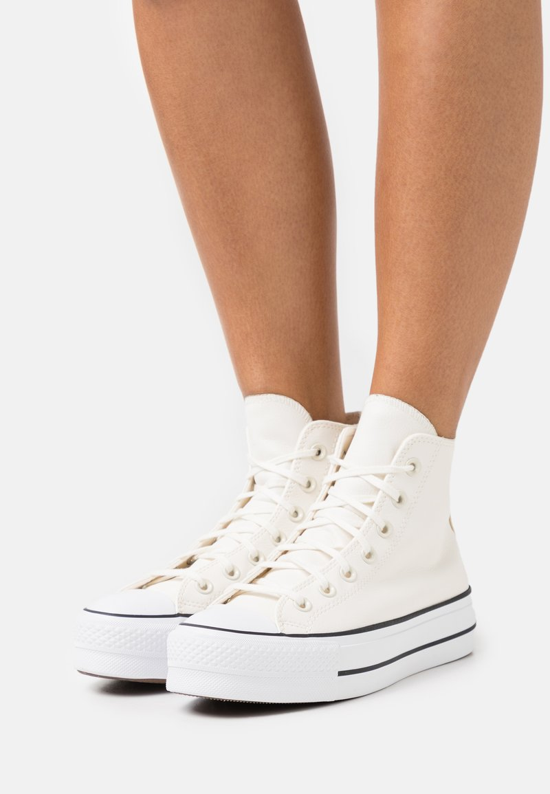Converse - CHUCK TAYLOR ALL STAR PLATFORM - Sneakers hoog - egret/white/black