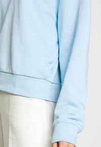 Weekday - HUGE CROPPED - Sweatshirt - light blue - 5