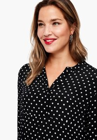 Triangle - MIT PUNKTEMUSTER - Jersey dress - black dots - 2
