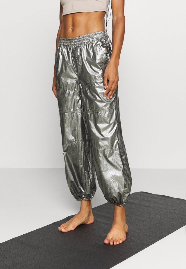 MIRROR BALL PANT - Tracksuit bottoms - silver