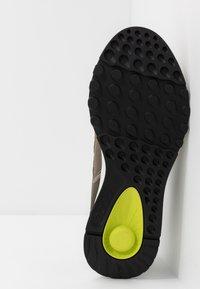 ECCO - EXOSTRIDE  - Hiking shoes - warm grey/sulphur - 4