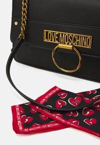 Love Moschino - Handtas - black - 3