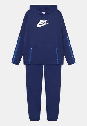 HOOK SET UNISEX - Sportovní bunda - blue void/white