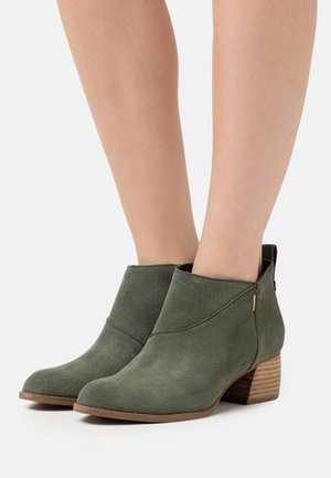 LEILANI - Ankle boots - olive