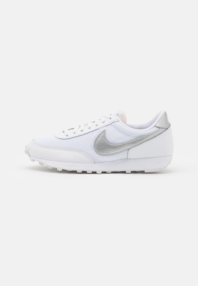 DAYBREAK - Trainers - white/metallic silver