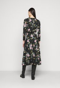ONLY Tall - ONLZILLE FIXED SMOCK DRESS - Kjole - black - 2