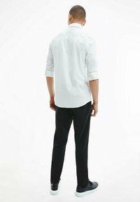 Calvin Klein - SLIM  - Formal shirt - bright white - 2