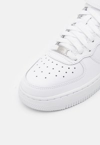 Nike Sportswear - AIR FORCE 1 MID  - High-top trainers - white - 5