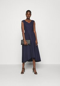 Closet - HIGH LOW PLEATED DRESS - Cocktailkjole - navy - 1