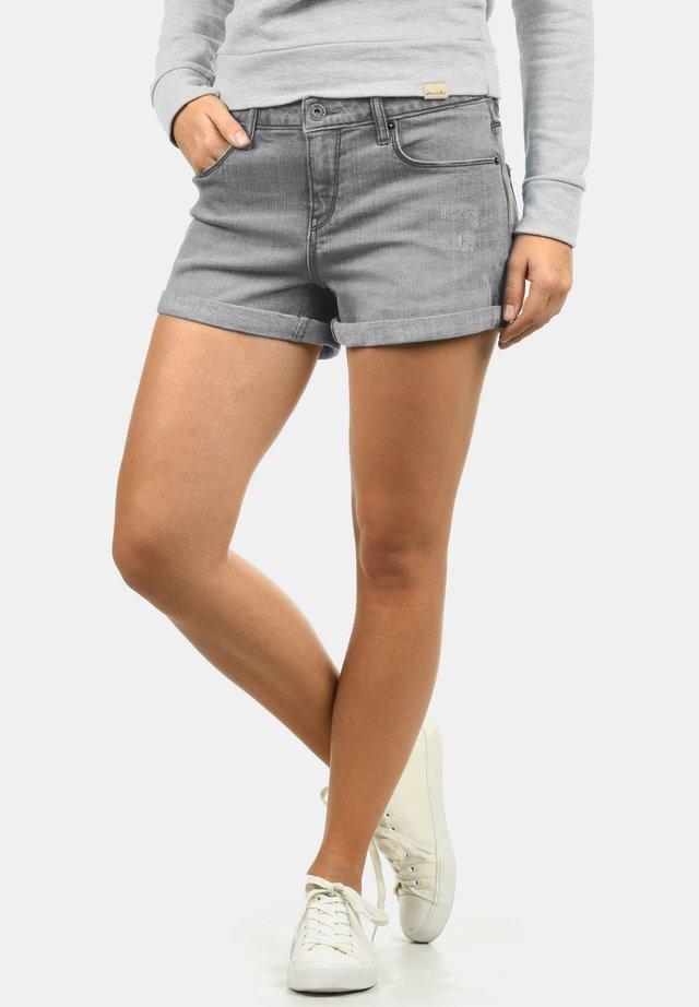 ANDREJA - Short en jean - grey denim