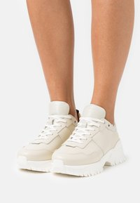 Tiger of Sweden - AFRIA  - Trainers - offwhite - 0