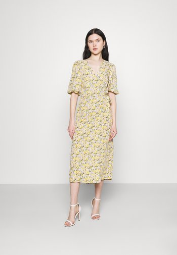 VIHALINA WRAP DRESS