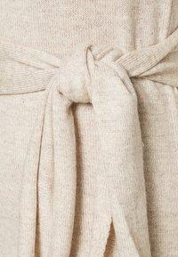 Who What Wear - TIE WAIST DRESS - Jumper dress - cream - 5