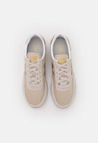 New Balance - WL720 - Sneakers - beige - 5