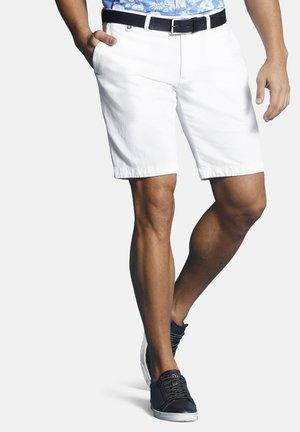 Shorts - weiß