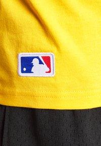 New Era - MLB SEASONAL TEAM LOGO TANK NEW YORK YANKEES - Toppi - yellow - 6