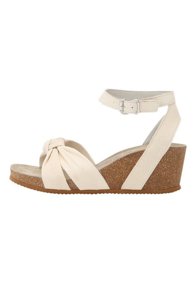 Sandały na koturnie - off white