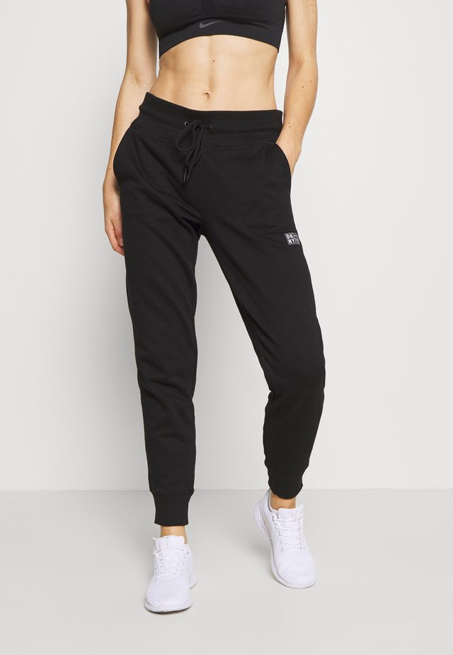 LOGO PATCH CUFFED JOGGER - Pantalon de survêtement - black
