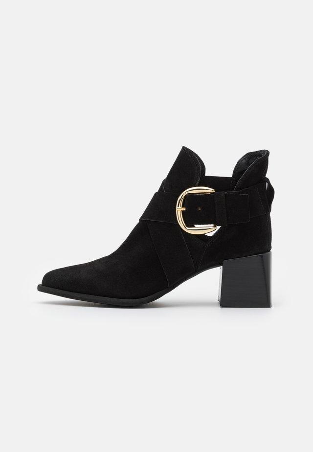LEA - Ankelstøvler - black