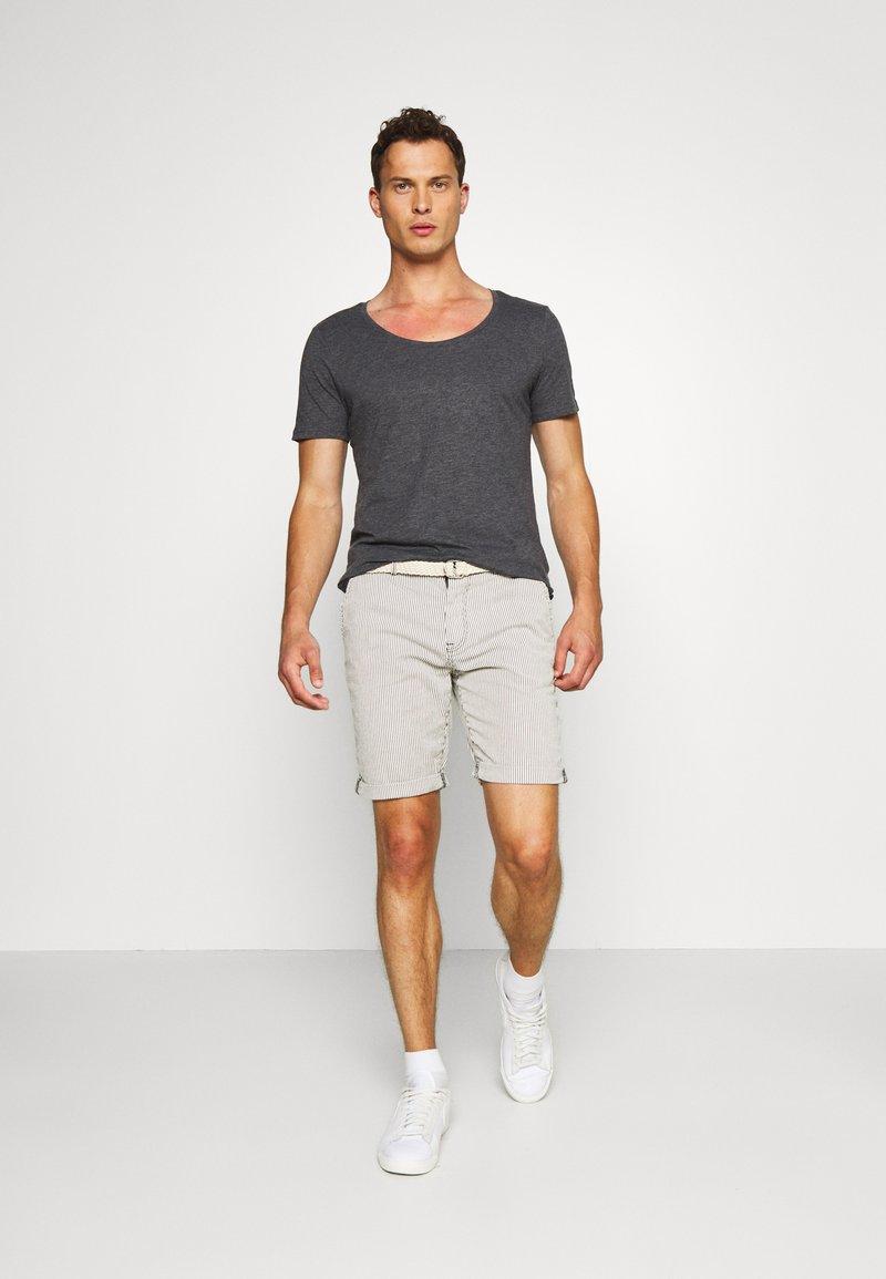 Pier One T-Shirt basic - dark gray/dunkelgrau vpLwuS