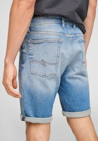 Q/S designed by - Jeans Shorts - light blue - 5
