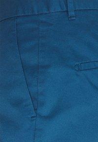 Scotch & Soda - STUART CLASSIC - Shorts - royal blue - 5