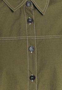 Missguided Tall - CONTRAST STITCH DRESS - Shirt dress - khaki - 2