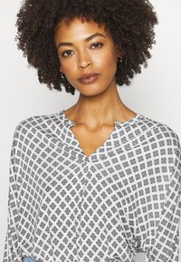 Marc O'Polo - SLEEVE - Long sleeved top - oyster white - 4