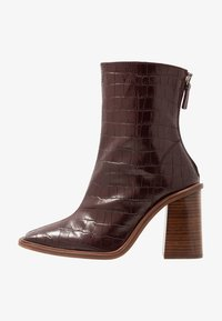 HERTFORD BOOT - High heeled ankle boots - burgundy
