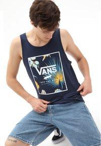 Vans - MN PRINT BOX TANK - Top - dress blues califas - 0