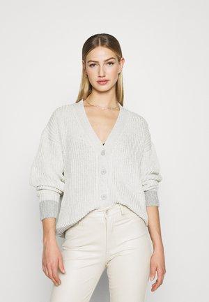 CONTRAST HEM CHUNKY - Cardigan - beige