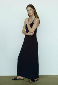 Massimo Dutti - Maxi dress - black - 2