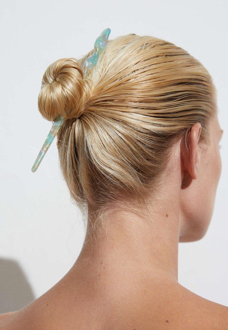 OYSHO - Hair styling accessory - green