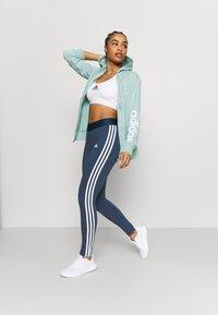 adidas Performance - veste en sweat zippée - haze green/white - 1