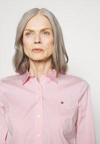 Tommy Hilfiger - ESSENTIAL - Button-down blouse - pink grapefruit - 3