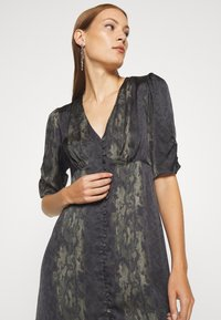 AllSaints - KOTA MASALA DRESS - Hverdagskjoler - forest green - 3
