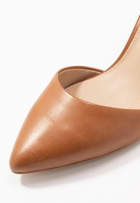 ALDO - BROOKSHEAR - Classic heels - cognac - 2