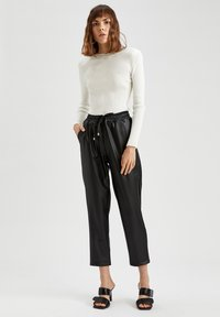 DeFacto - Pantalones - black - 1