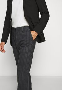 Tiger of Sweden - CONE - Trousers - outer blue - 4