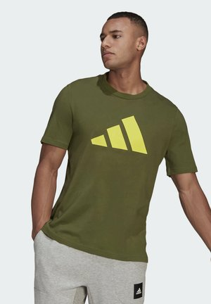 BADGE OF SPORT - Print T-shirt - olive