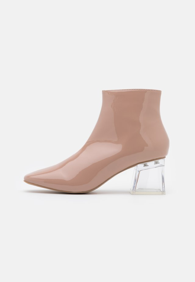 ELSIE - Ankle boot - nude