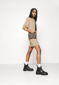 ONLY - ONLZOE DRESS - Vapaa-ajan mekko - beige - 1