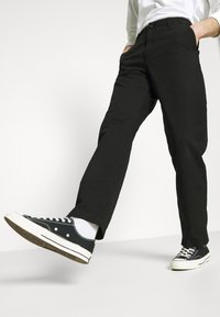 Carhartt WIP - WESLEY PANT NEWCOMB - Džíny Relaxed Fit - black - 4